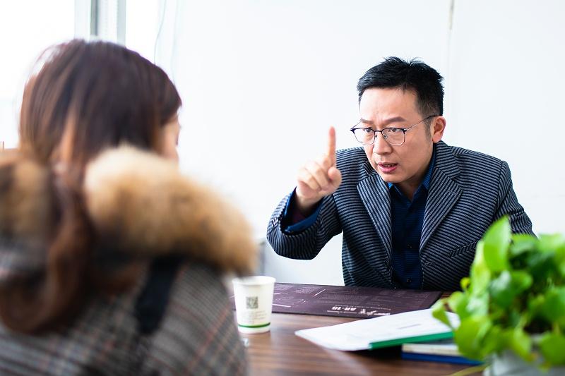 刘会计给会计学员传授学习经验